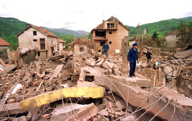 Centar Surdulice posle bombardovanja