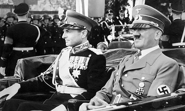 Knez Pavle sa Adolfom Hitlerom tokom posete Berlinu. Foto: Arhivska fotografija