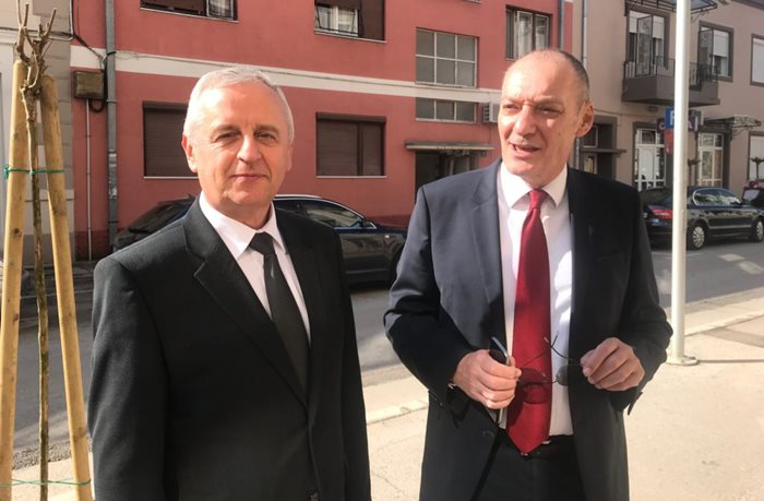 TREBINjE, 29. MARTA /SRNA/ – Konzul u Generalnom konzulatu Srbije u Banjaluci Radoslav Ilić i Generalni konzul Vladimir Nikolić.