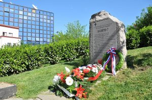 Spomenik ubijenim radnicima RTS-a