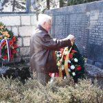 Polaganjem vijenaca na spomenik palim borcima u Drugom svjetskom ratu, na Palama je danas obilježen 3. april - Dan oslobođenja ove opštine.