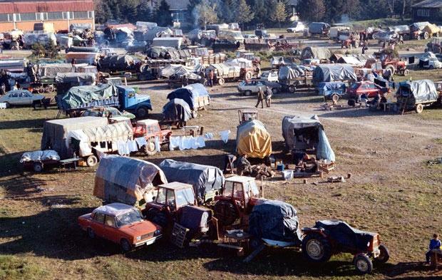 Izbeglička kolona iz Hrvatske Foto D. Milovanović