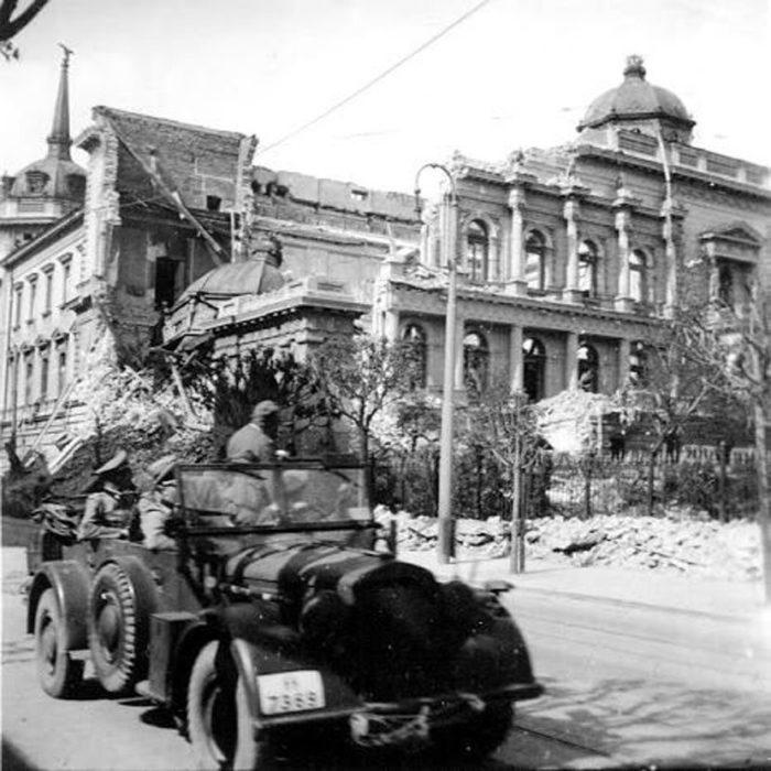 Trupe Vermahta u današnjoj Ulici kralja Milana nakon Aprilskog rata i bombardovanja Beograda. Foto: Wikimedia/Public domain