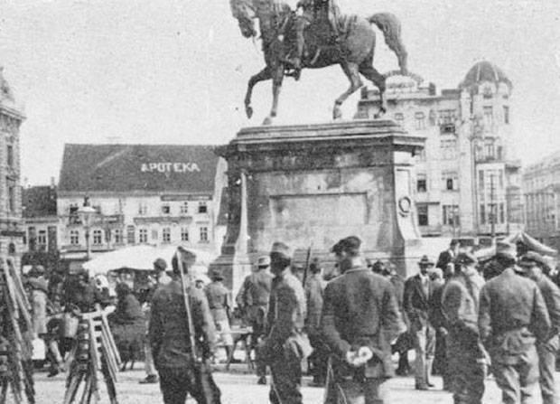 Srpska vojska na Trgu Bana Jelačića u Zagrebu 1918.godine