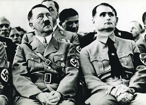 Adolf Hitler i Rudolf Hes FOTO: PROFIMEDIA