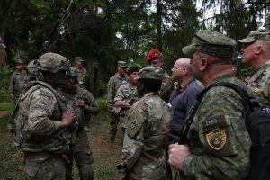 Albanci na obuci sa Amerikancima