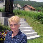 - Milena Vitković je i ove godine prislužila svijeće za nastradale Ledićane, među kojima je i deset najužih članova njene porodice Tešanović.
