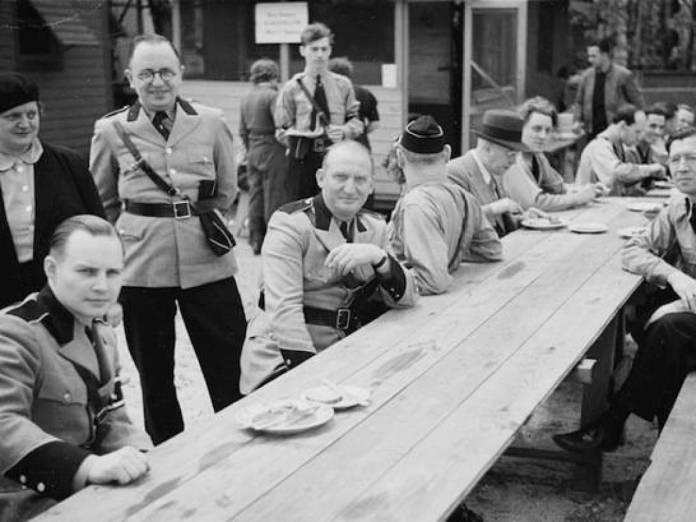 Nacistička odeća