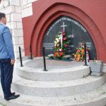 Vijenac u Spomen-kapelu vidovdanskim junacima u Sarajevu položio je, u ime grada Istočno Sarajevo zamjenik gradonačelnika Danko Vučetić.