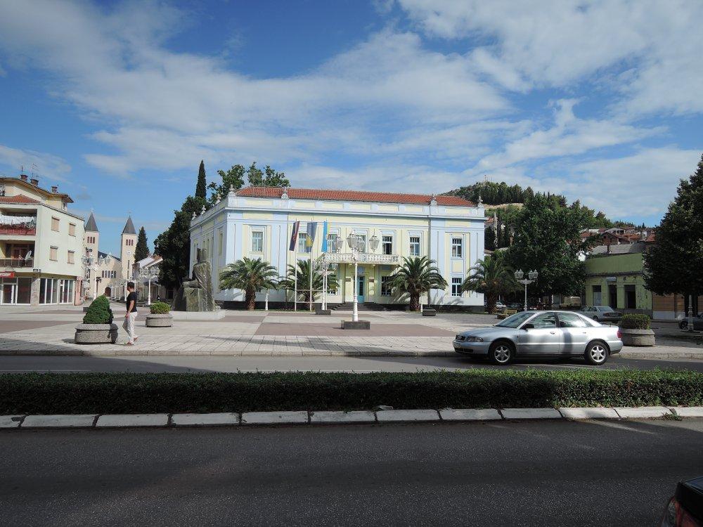 Zgrada opoštine Čapljina. U NDH sjedište vlasti NDH, uz nju je bio opštonski zatvor a i iza Sokolana mjesta zatvaranja i mučenja Srba