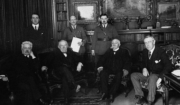 КОНФЕРЕНЦИЈА Председници Италије Орландо, Велике Британије Лојд Џорџ, Француске Клемансо и Сад Вилсон (седе)