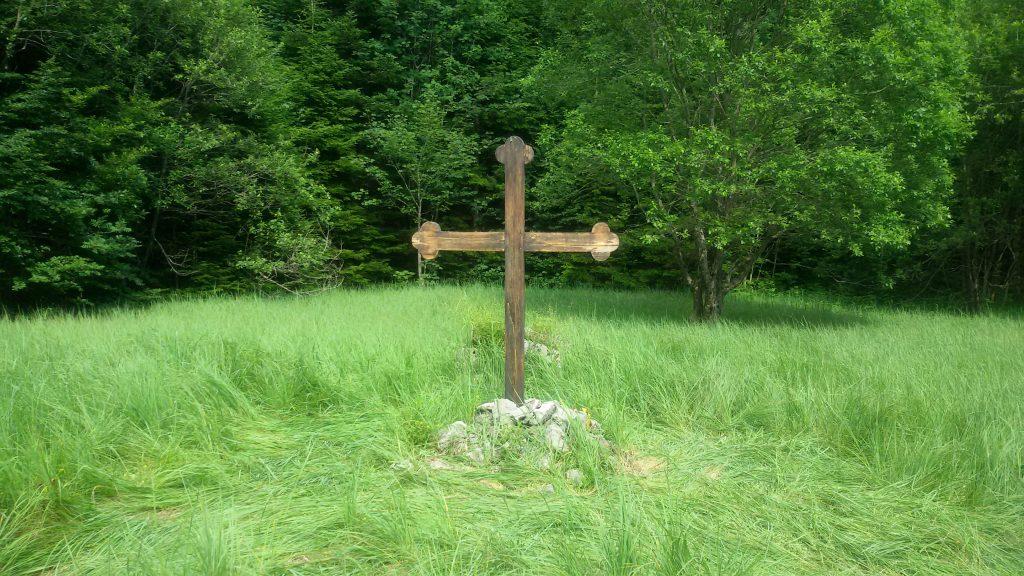"""Krst na sredini logora """"Jadovno"""""""
