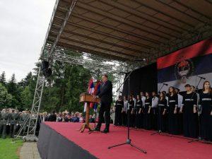 Predsjednik Republike Srpske Milorad Dodik rekao je danas da su Srbi kroz svoja stradanja u Drugom svjetskom ratu i skrivanje istine o tome trebali da nestanu sa ovih prostora krajem prošlog vijeka, zbog čega je važno stvaranje Republike Srpske u proteklom odbrambeno-otadžbinskom ratu.