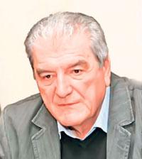 Profesor Filološkog fakulteta u Beogradu i FILUM-a u Kragujevcu