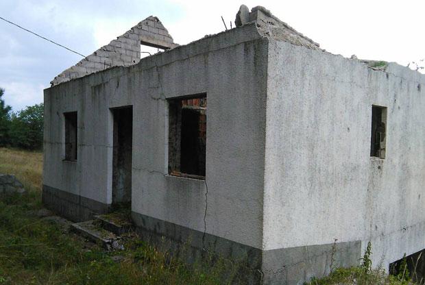 Zgarište kuće - Foto S. Mišljenović