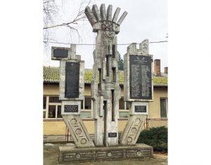 Spomen-obeležje u Majuru (Foto m. Mijušković)