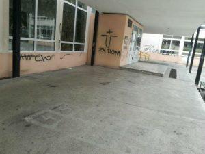 Ustaški i antisrspki grafiti na školi u Splitu (Foto: Slobodna Dalmacija)