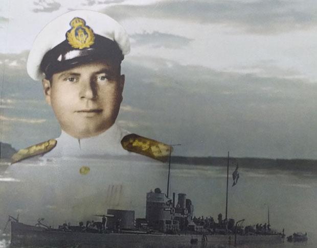 "Komandant Aleksandar Berić i topovnjača ""Drava"" Foto Privatna arhiva"