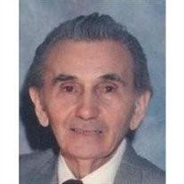 Vajo Hinić (Zalužnica, Lika 22. 9. 1922. – Čikago, 25. 8. 2011), jedini koji je preživeo partizanski zločin na Lošinju i posle toga se 76 dana skrivao u šumi