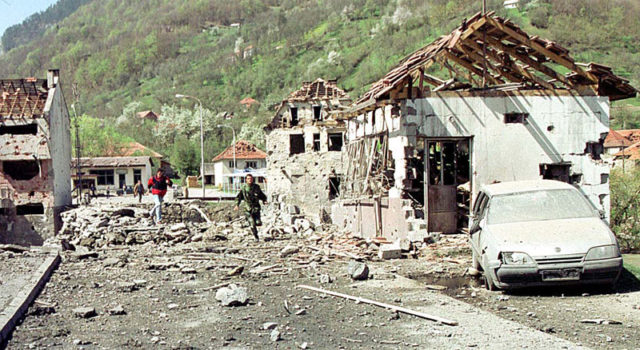 НАТО бомбардовање Мурина