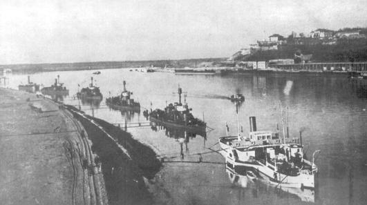 Rečna flotila u beogradskom pristaništu