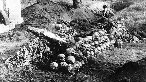 Ексхумација српских жртава на Јеврејском гробљу у Земуну 1944.