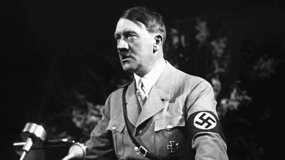 Адолф Хитлер током говора на скупу у Нирнбергу 1936. године Фото: Getty Images