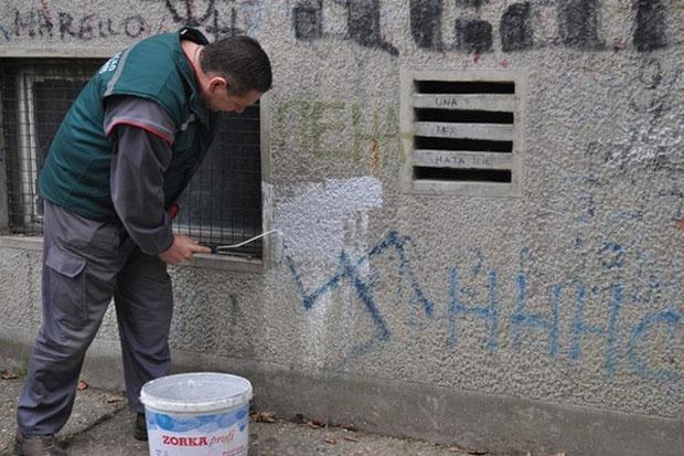 Neki od novosadskih grafita - za sramotu Foto Z. G.