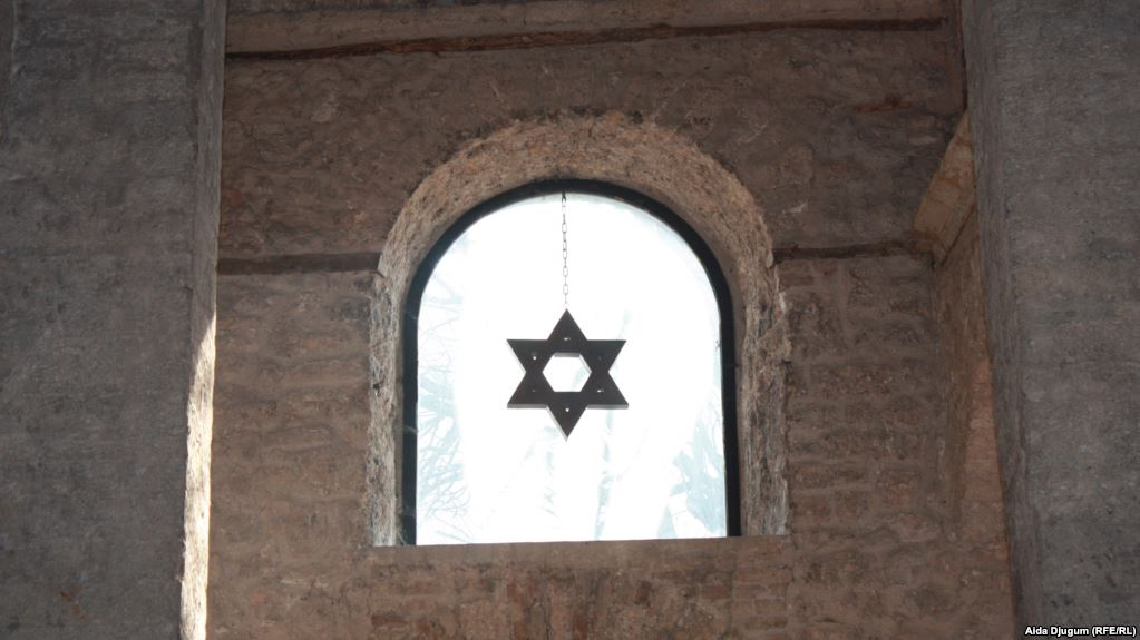 Fazlagić godinama vodila imovinske sporove u kojima je razbaštinila desetine vlasnika nekretnina u Sarajevu, mahom Jevreja stradalih u II svjetskom ratu