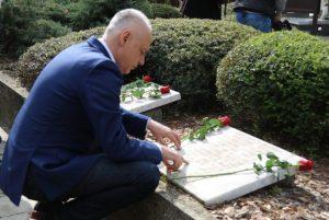 odata počast žrtvama šestoaprilskog bombardovanja(Foto :Lola Đorđević)