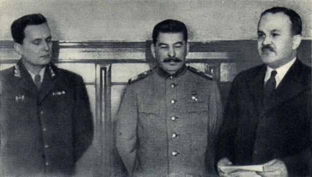 Tito, Staljin i Molotov