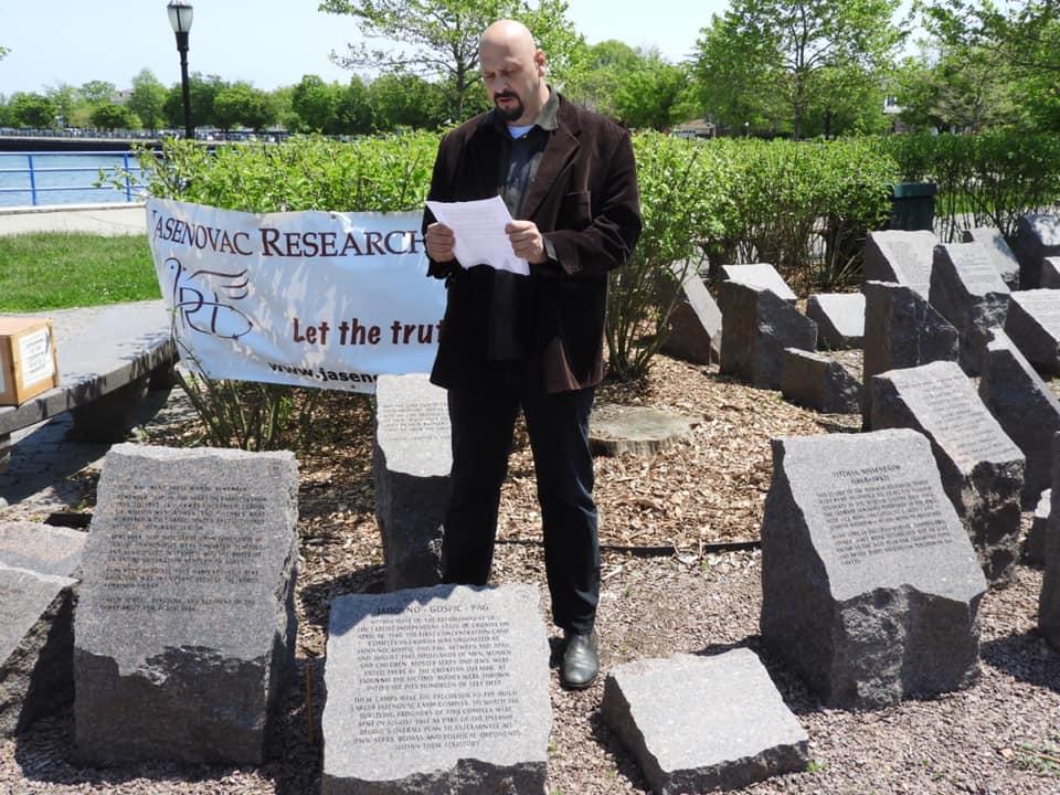 Obraćanje Danijela Simića na otkrivanju Spomen kamena u Bruklinu, SAD. FOTO: Barry Lituchy-Damjanovic