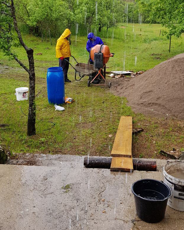 Livno - selo Gubin - obnova kuće - Vukovljak Foto: SRNA