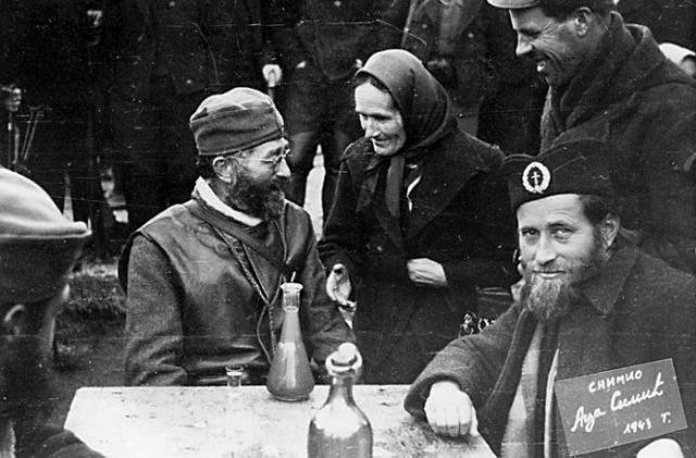 Draža Mihailović sa saborcima