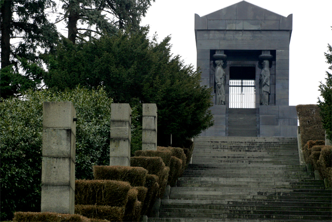 Bez imena žrtava na Spomeniku neznanom junaku na Avali (Foto A. Vasiljević)