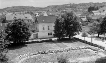 Temelji glinske Bogorodičine crkve iz 1961. godine (izvor: Hrvatski državni arhiv u Zagrebu, 1422/R-311/42, snimio Drago Rendulić)
